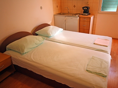 split-accommodation