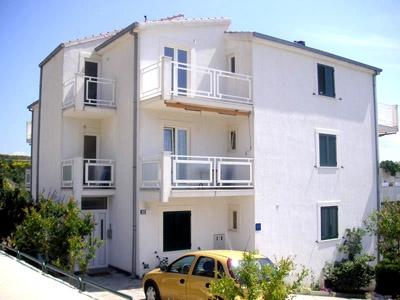 podstrana accommodation