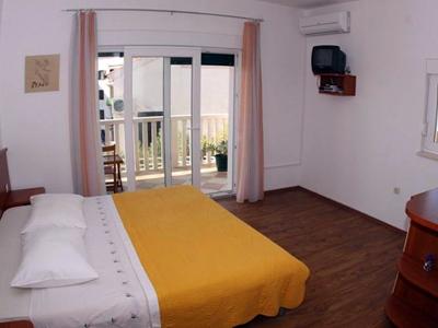 hvar apartments rooms