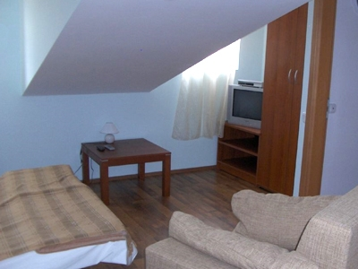 accomodation cres
