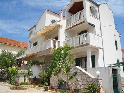 accommodation pirovac