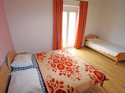 hotel apartments postira