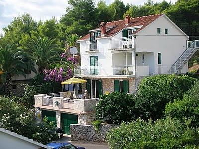 Apartments Jelsa