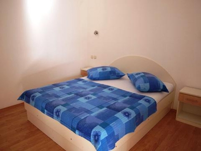accommodation jelsa