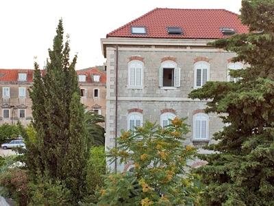 Split Apartments